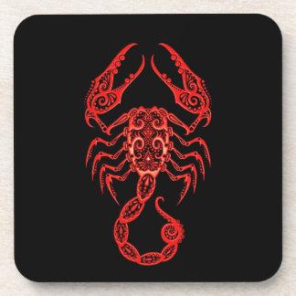 Zodiaco rojo complejo del escorpión en negro posavasos de bebidas