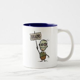 Zombi con la taza del Dos-Tono de la muestra de lo