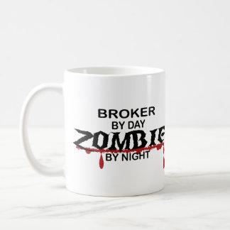 Zombi del agente taza de café