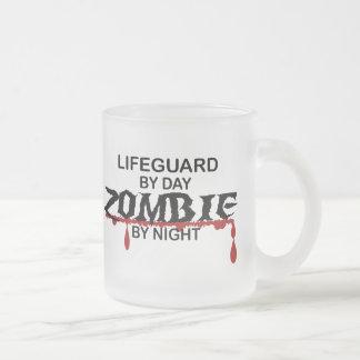 Zombi del salvavidas taza de café esmerilada