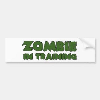 Zombi en el entrenamiento pegatina de parachoque