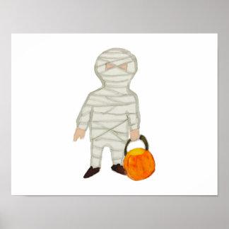 Zombi lindo de la momia del niño de Halloween del Póster