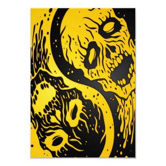Zombis amarillos y negros de Yin Yang Invitacion Personal