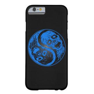 Zombis azules y negros de Yin Yang Funda De iPhone 6 Barely There
