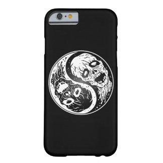 Zombis blancos y negros de Yin Yang Funda De iPhone 6 Barely There