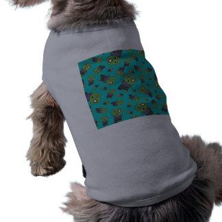 Zombis de la turquesa camisa de perrito