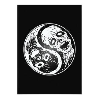 Zombis de Yin Yang blancos y negros Invitaciones Personales