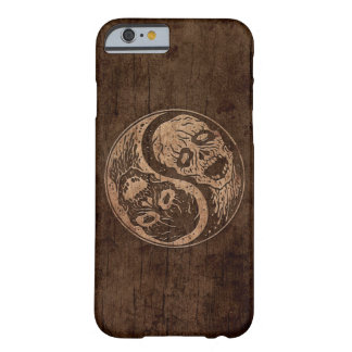 Zombis de Yin Yang con el efecto de madera del Funda De iPhone 6 Barely There