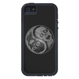 Zombis grises y negros de Yin Yang iPhone 5 Case-Mate Carcasa