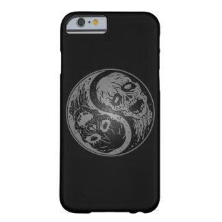 Zombis grises y negros de Yin Yang Funda De iPhone 6 Barely There