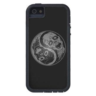 Zombis grises y negros de Yin Yang iPhone 5 Funda
