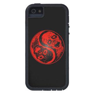 Zombis rojos y negros de Yin Yang iPhone 5 Case-Mate Funda