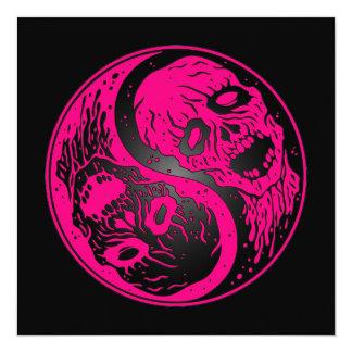 Zombis rosados y negros de Yin Yang Invitaciones Personales