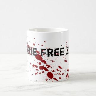 Zona franca del zombi taza básica blanca
