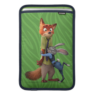 Zootopia | Judy & Nick - Suspect Apprehended! Sleeve For MacBook Air
