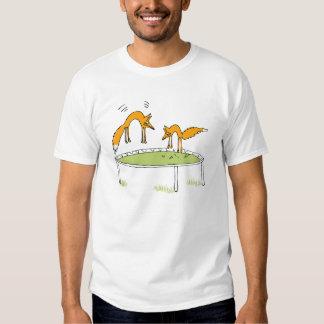 Zorros en el trampolín camisas