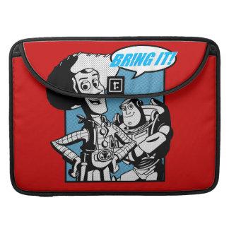 Zumbido y Woody: Tráigalo Fundas Macbook Pro