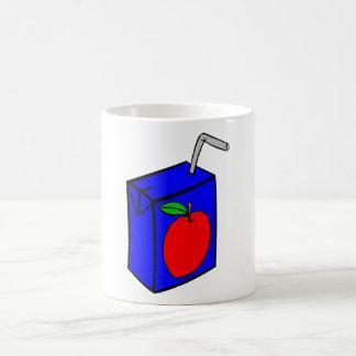 Zumo de manzana con la paja taza