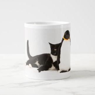 Zunie y el pingüino tazas extra grande