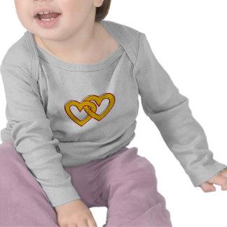 zwei Herzen verbunden two hearts connected Tee Shirts